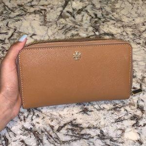 Tory Burch zip up wallet
